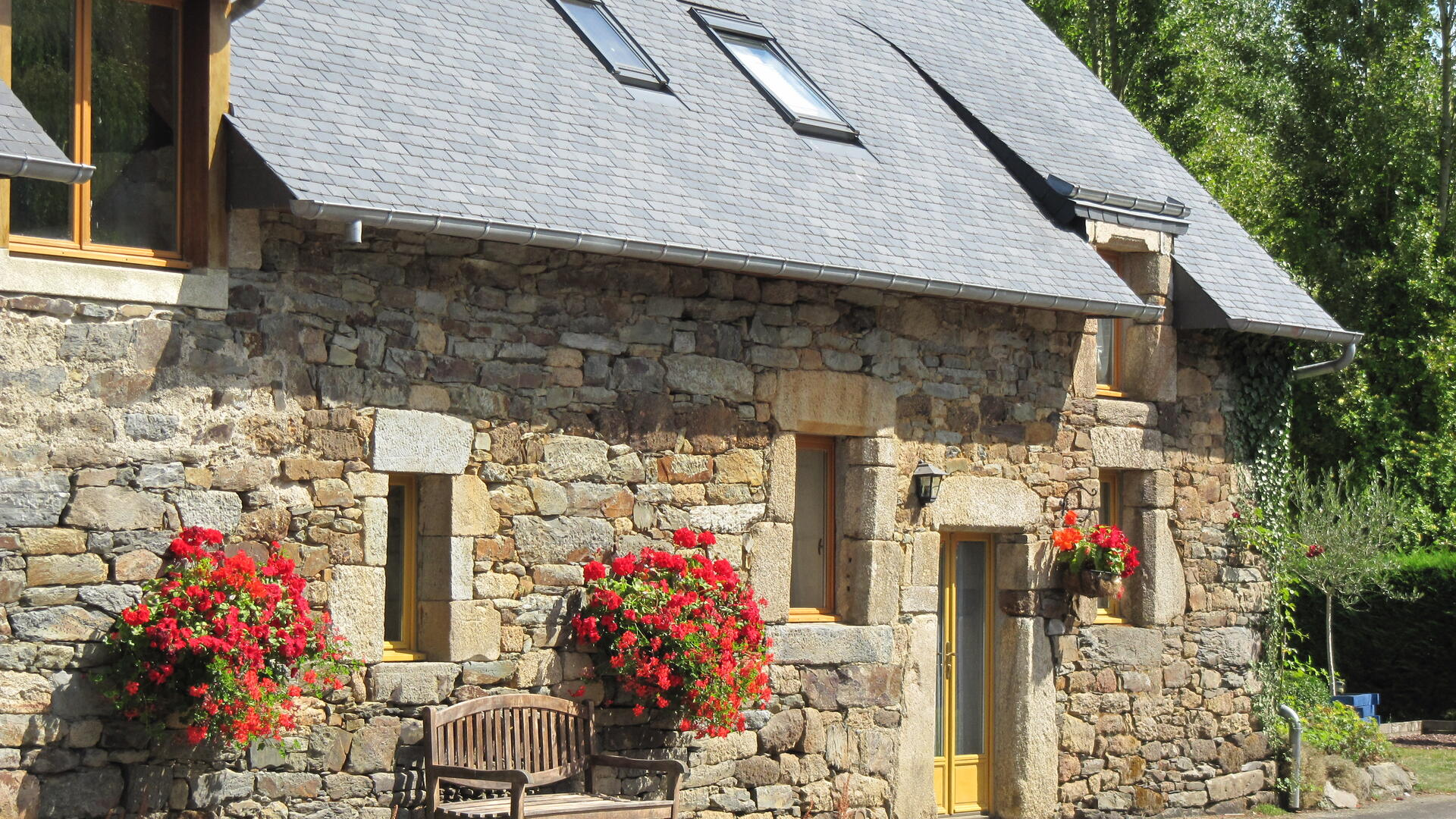lovely family-friends cottage in the Blavet Valley in Brittany