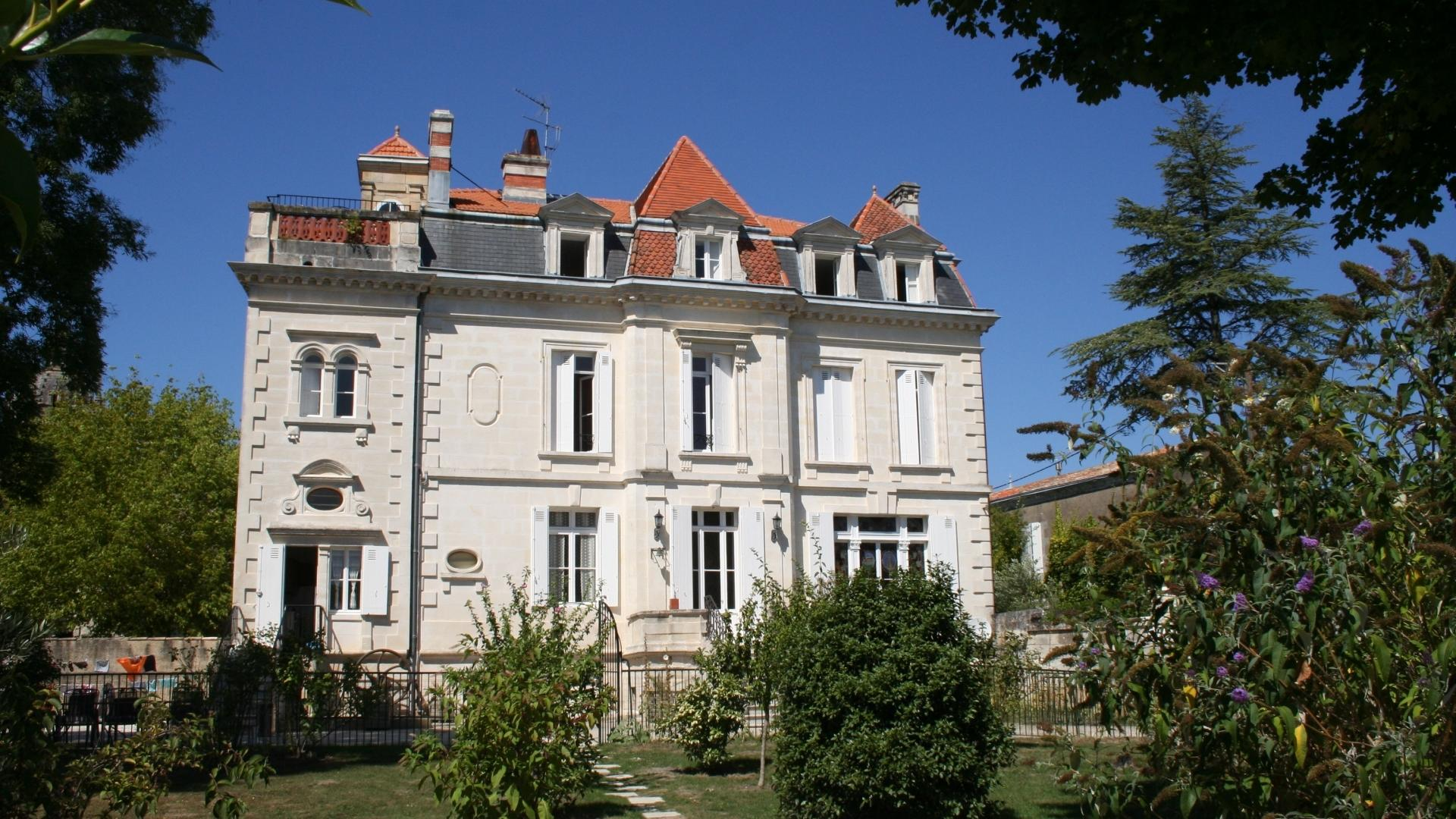 10 Bedroom Private chateau in Poitou-Charentes, France