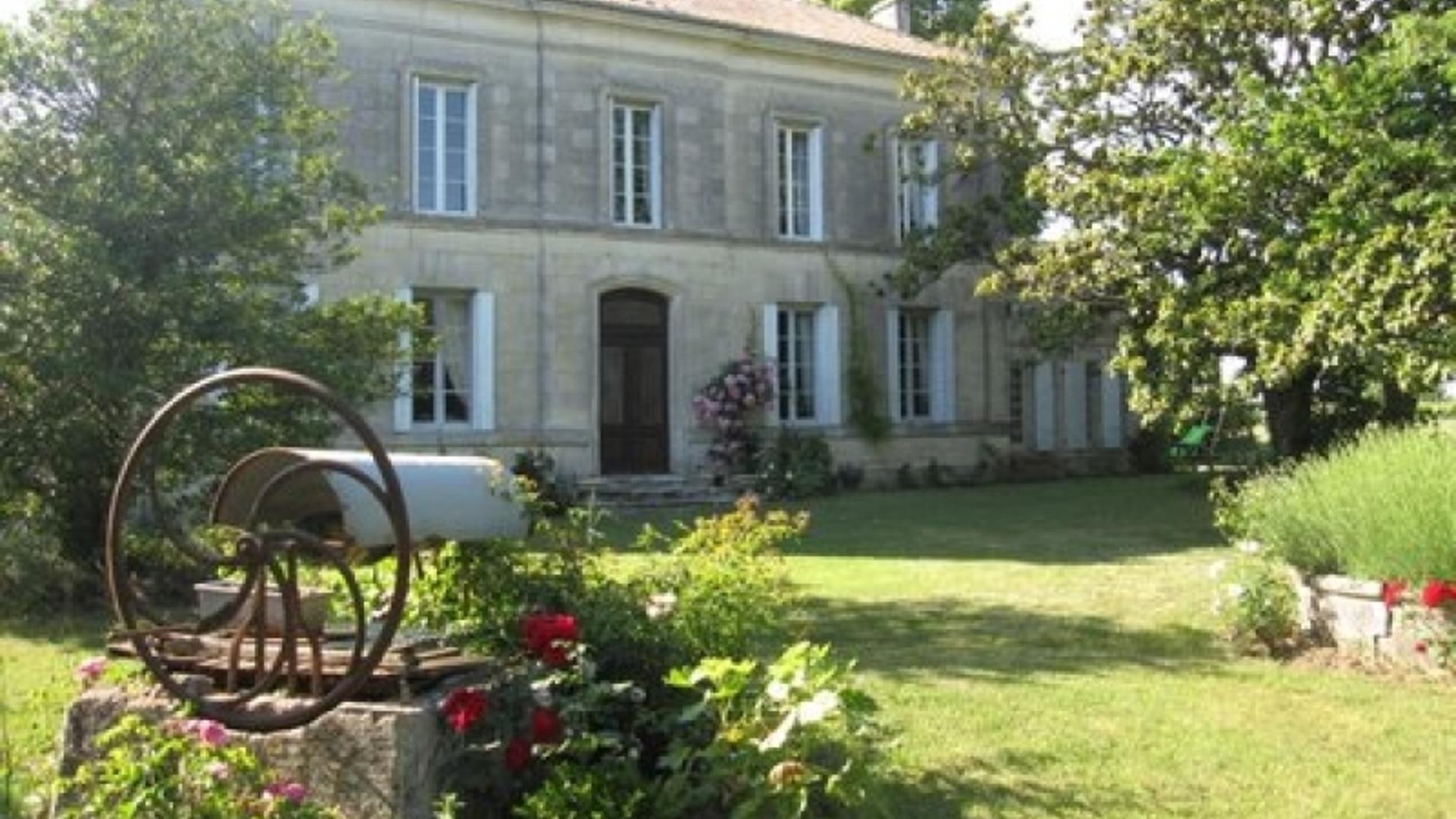 8 Bedroom  in Poitou-Charentes, France