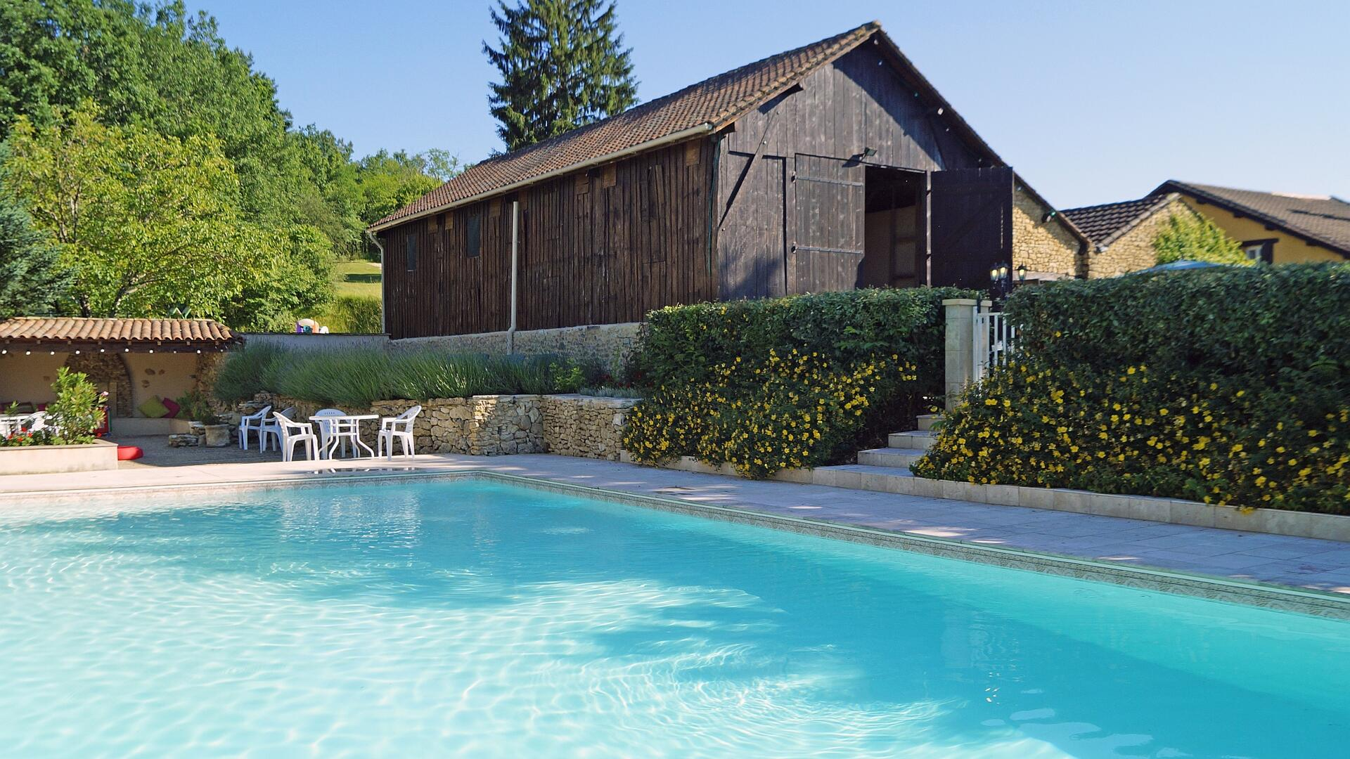 2 Bedroom Cottage/shared facilities in Aquitaine, France