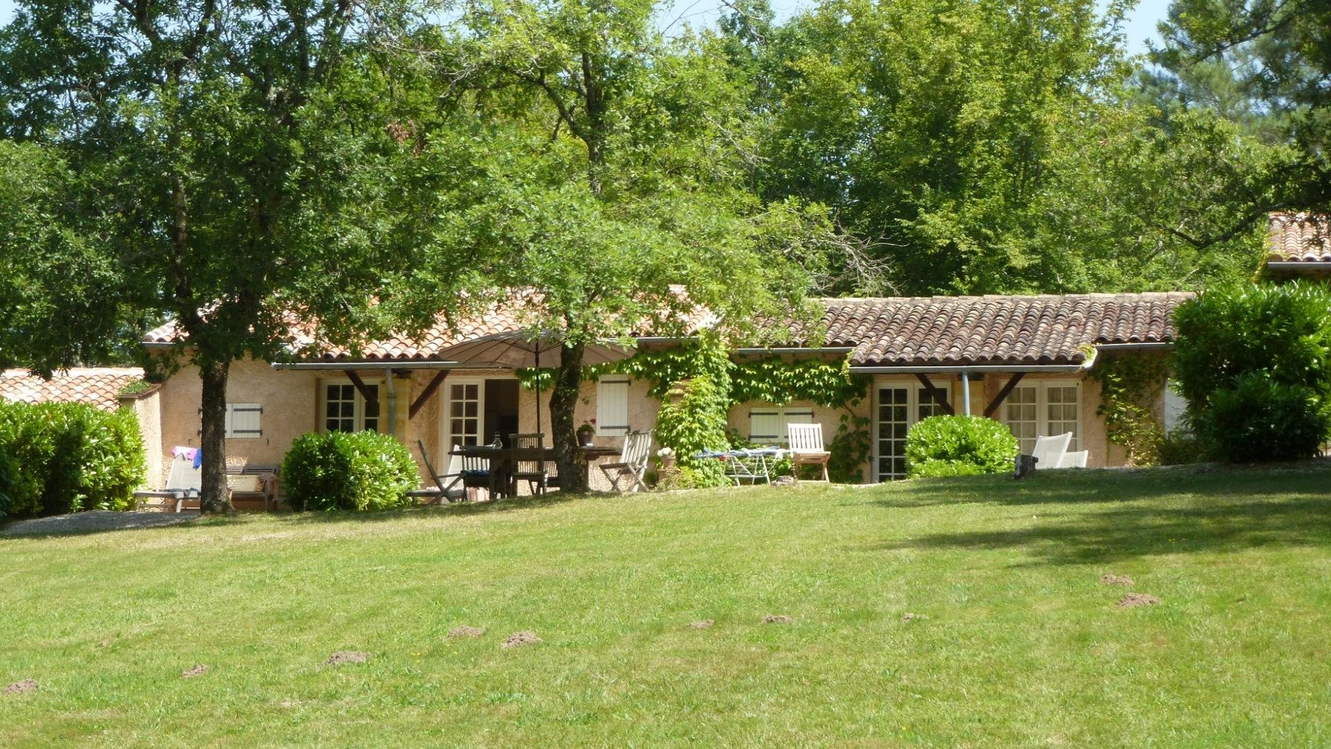 4 Bedroom Cottage/shared facilities in Midi-Pyrenees, France