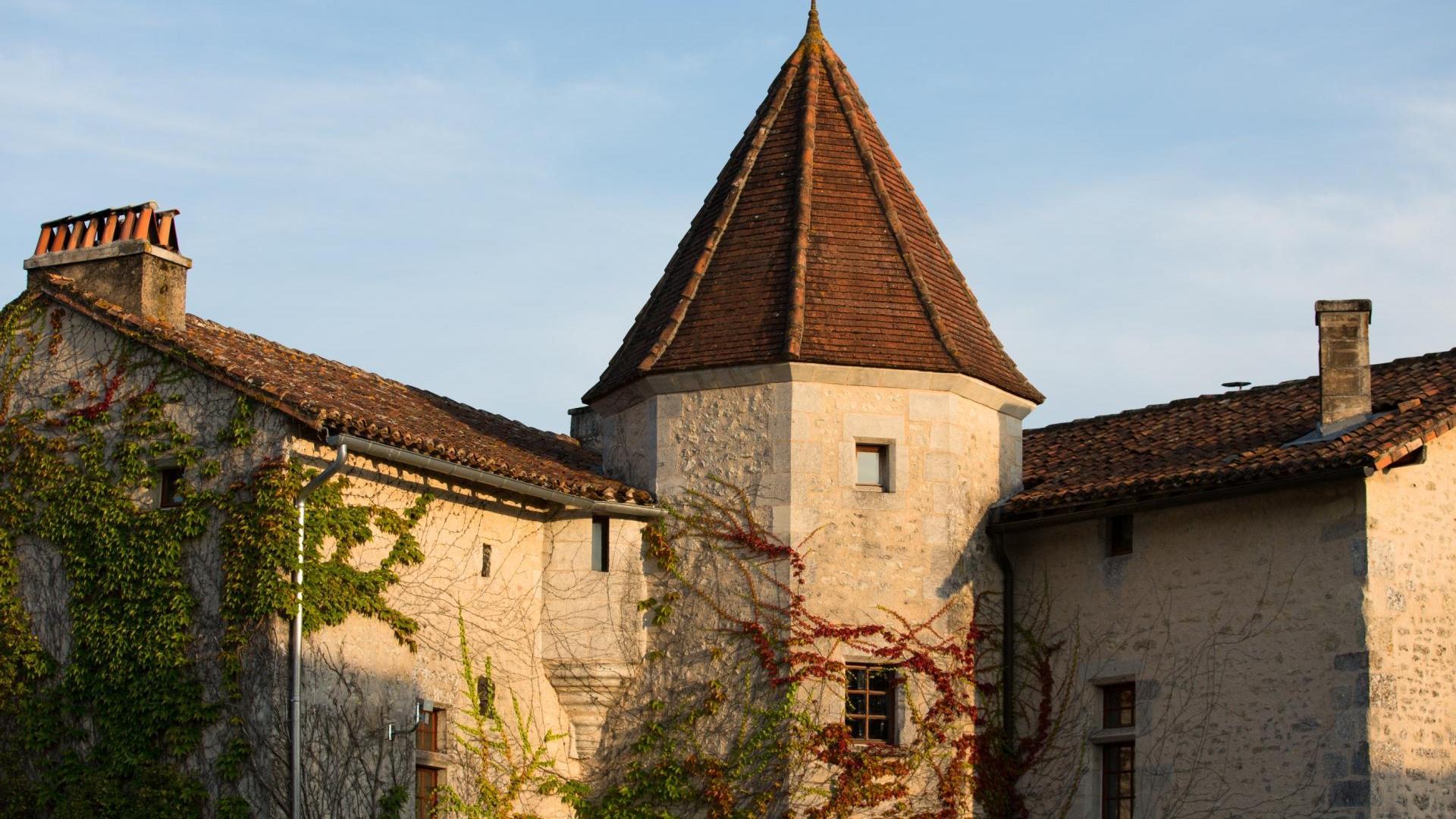 3 bedroom kid friendly cottage at Chateau de Gurat