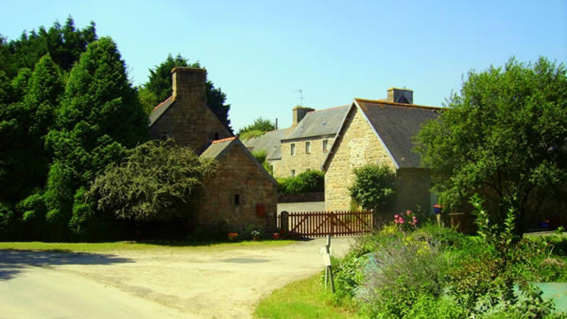 4 Bedroom Private cottage in Brittany, France