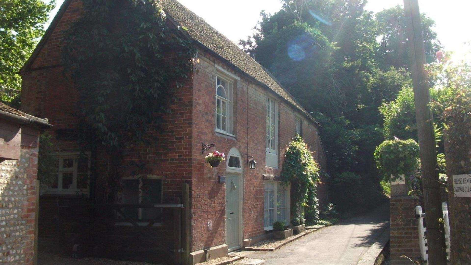 3 Bedroom Private cottage in Sussex, United Kingdom