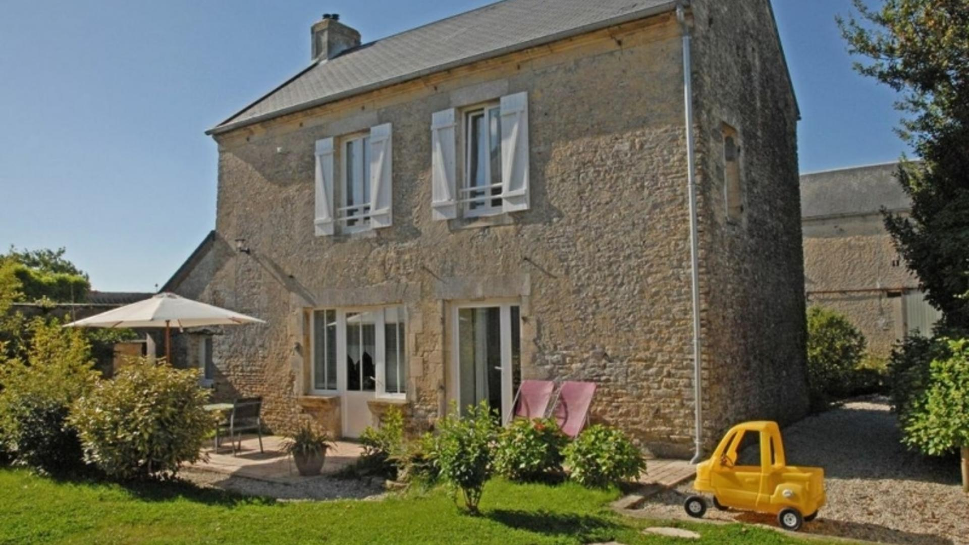 3 Bedroom Cottage/shared facilities in Normandy, France