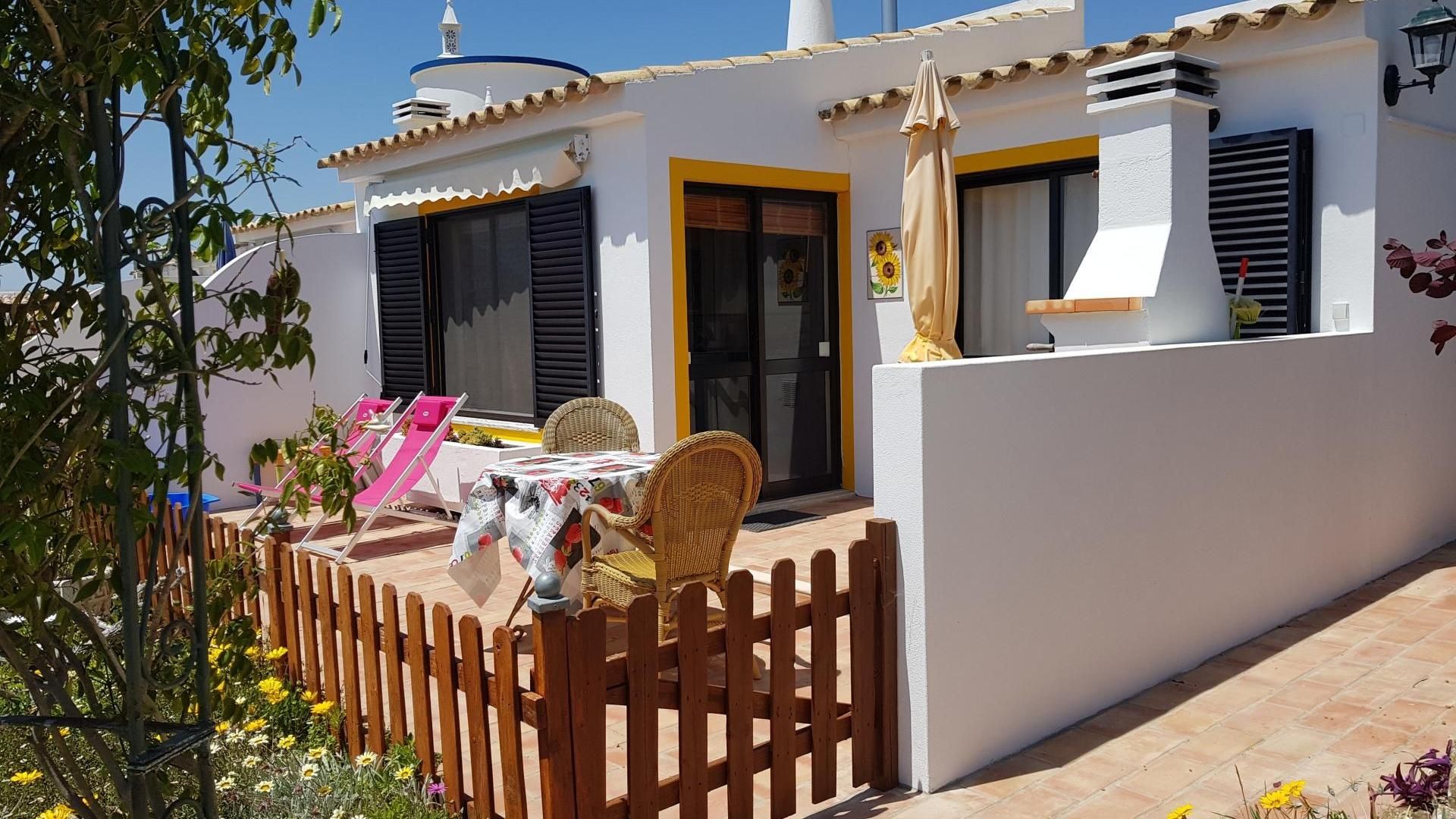 1 Bedroom Cottage/shared facilities in  Portugal