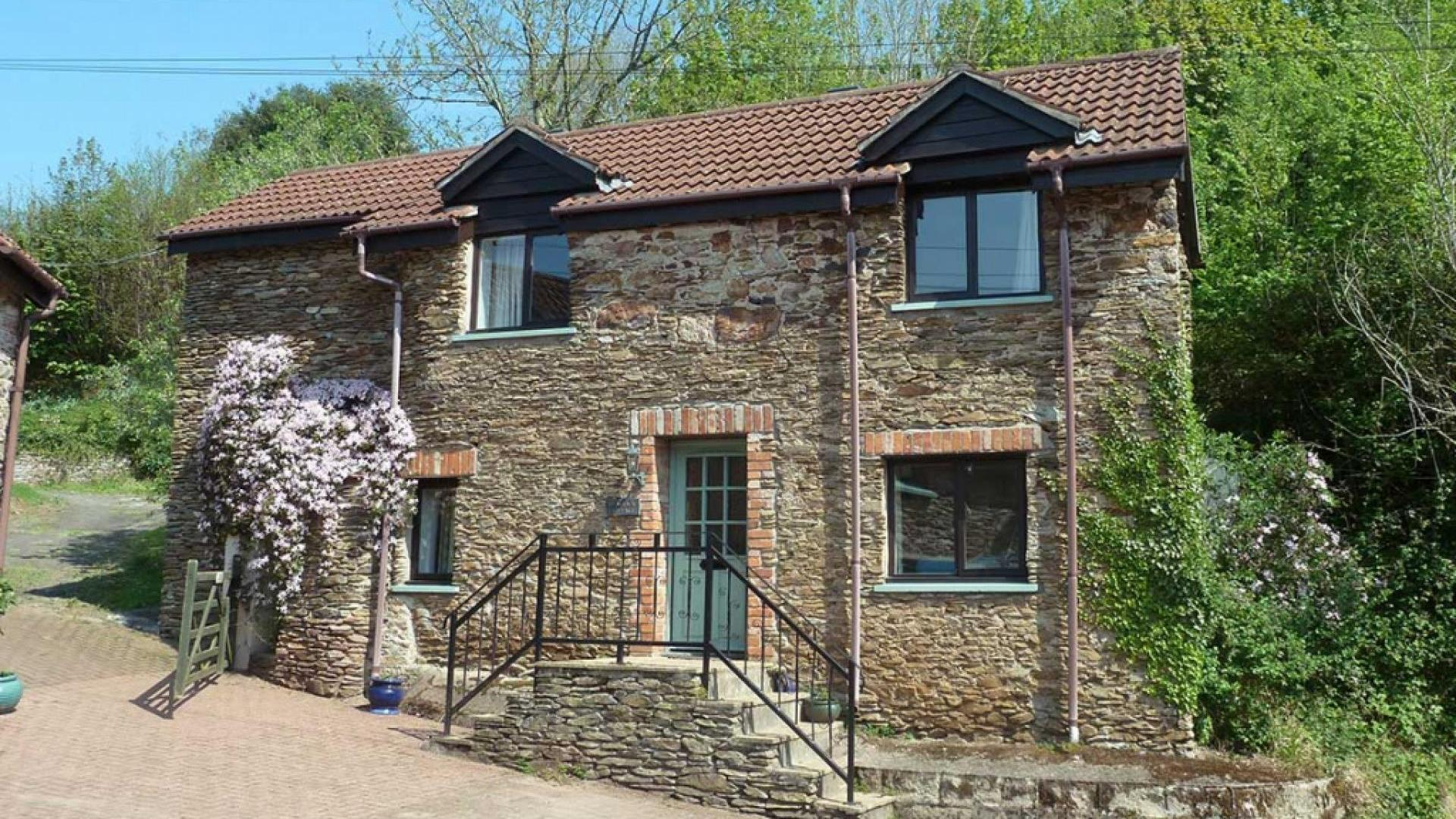 2 Bedroom Private cottage/shared facilities in Devon, United Kingdom