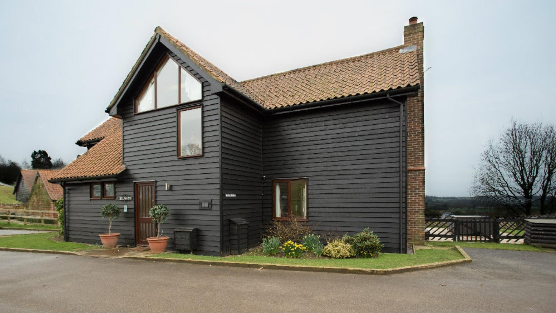 4 bedroom child friendly cottage Stour Valley Suffolk - SBC