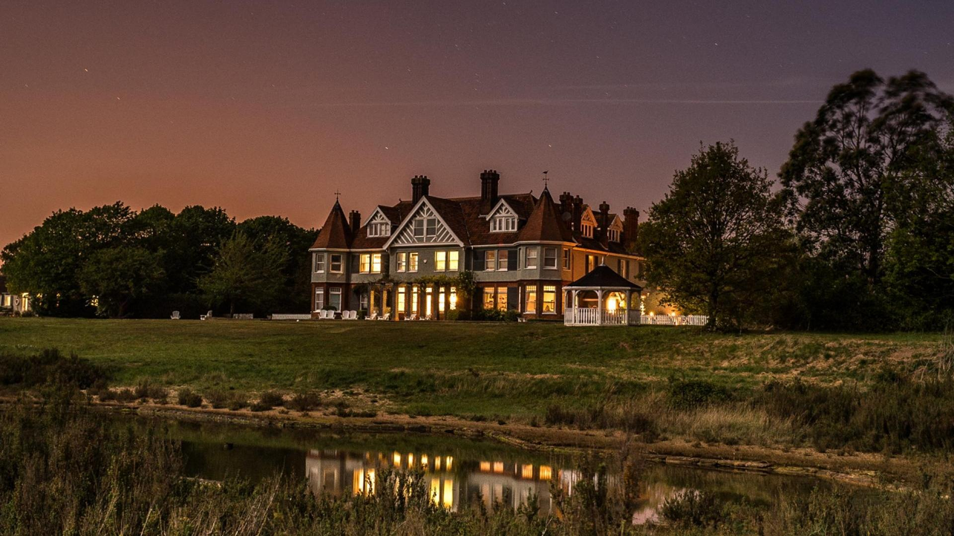 10 Bedroom Manor in Essex, United Kingdom