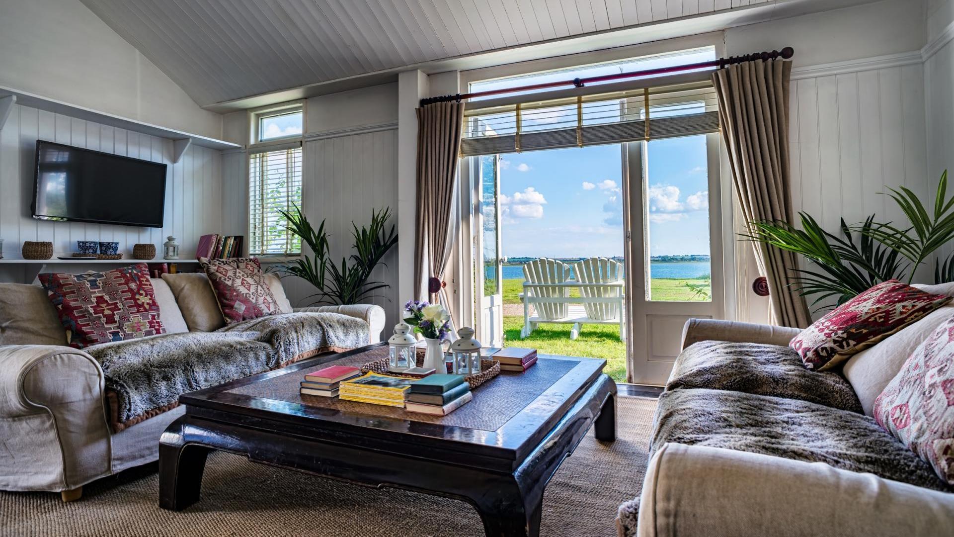 6 Bedroom Beach cottage in Essex, United Kingdom