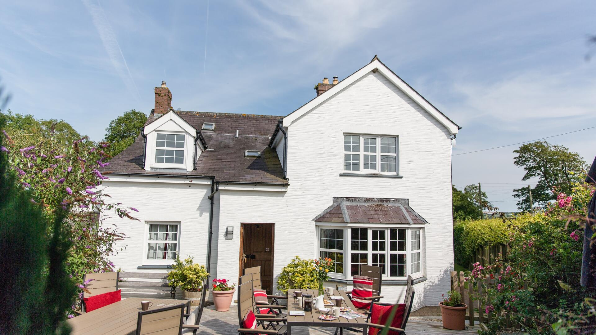 6 Bedroom Cottage/shared grounds in Wales, United Kingdom