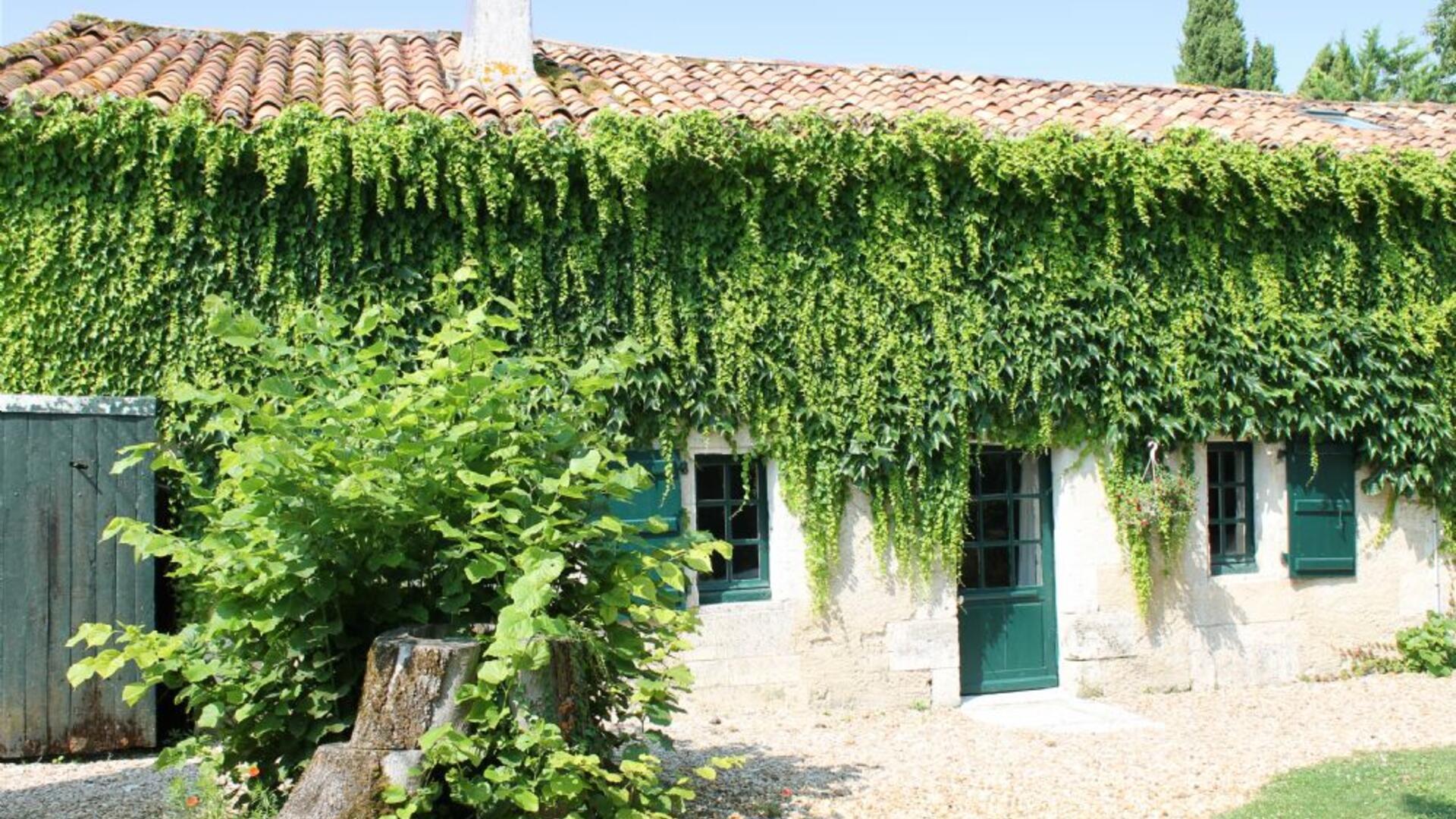 Manoir de Longeveau, child-friendly holiday cottages in the Dordogne
