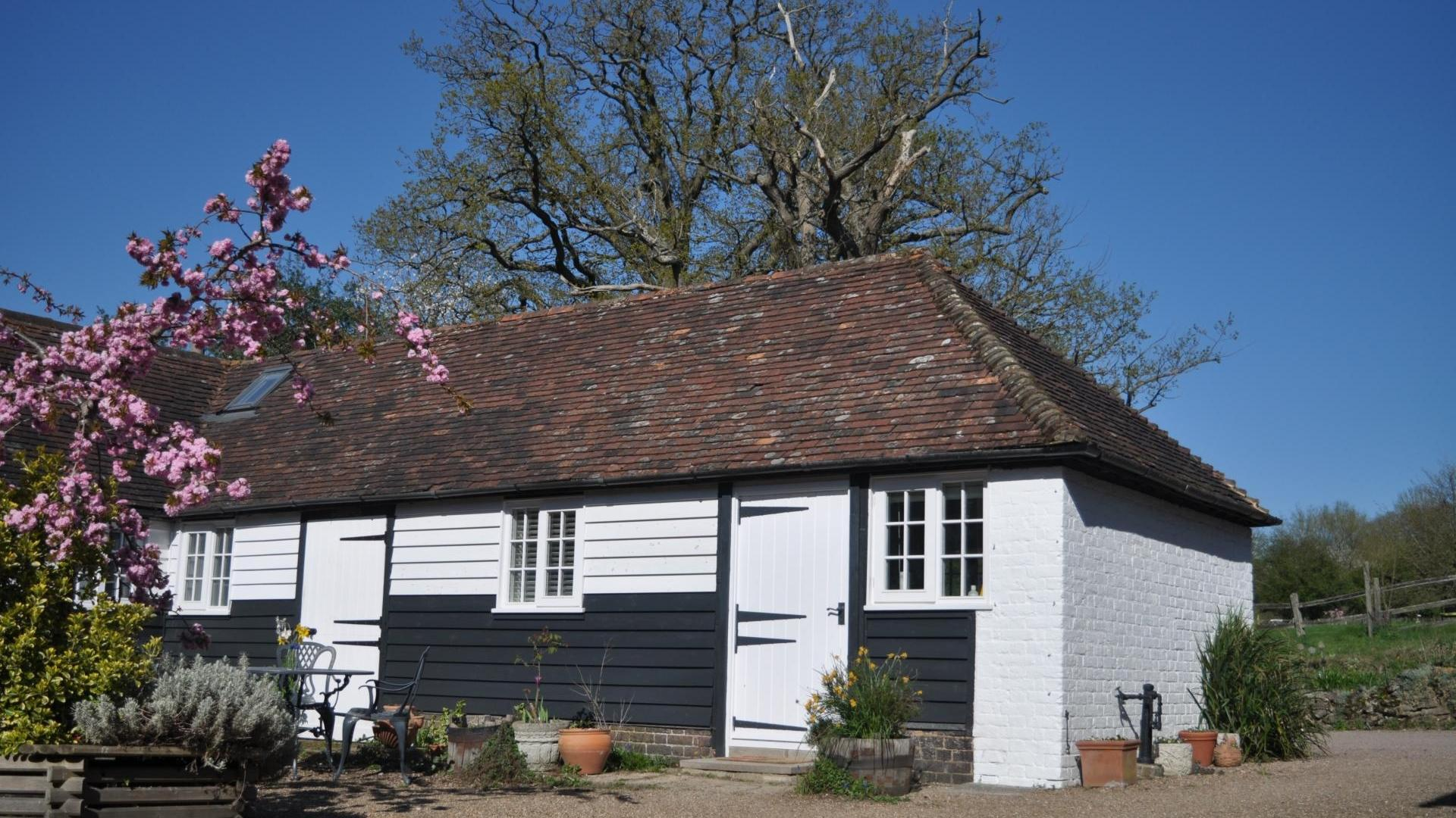 2 Bedroom Private cottage in Kent, United Kingdom