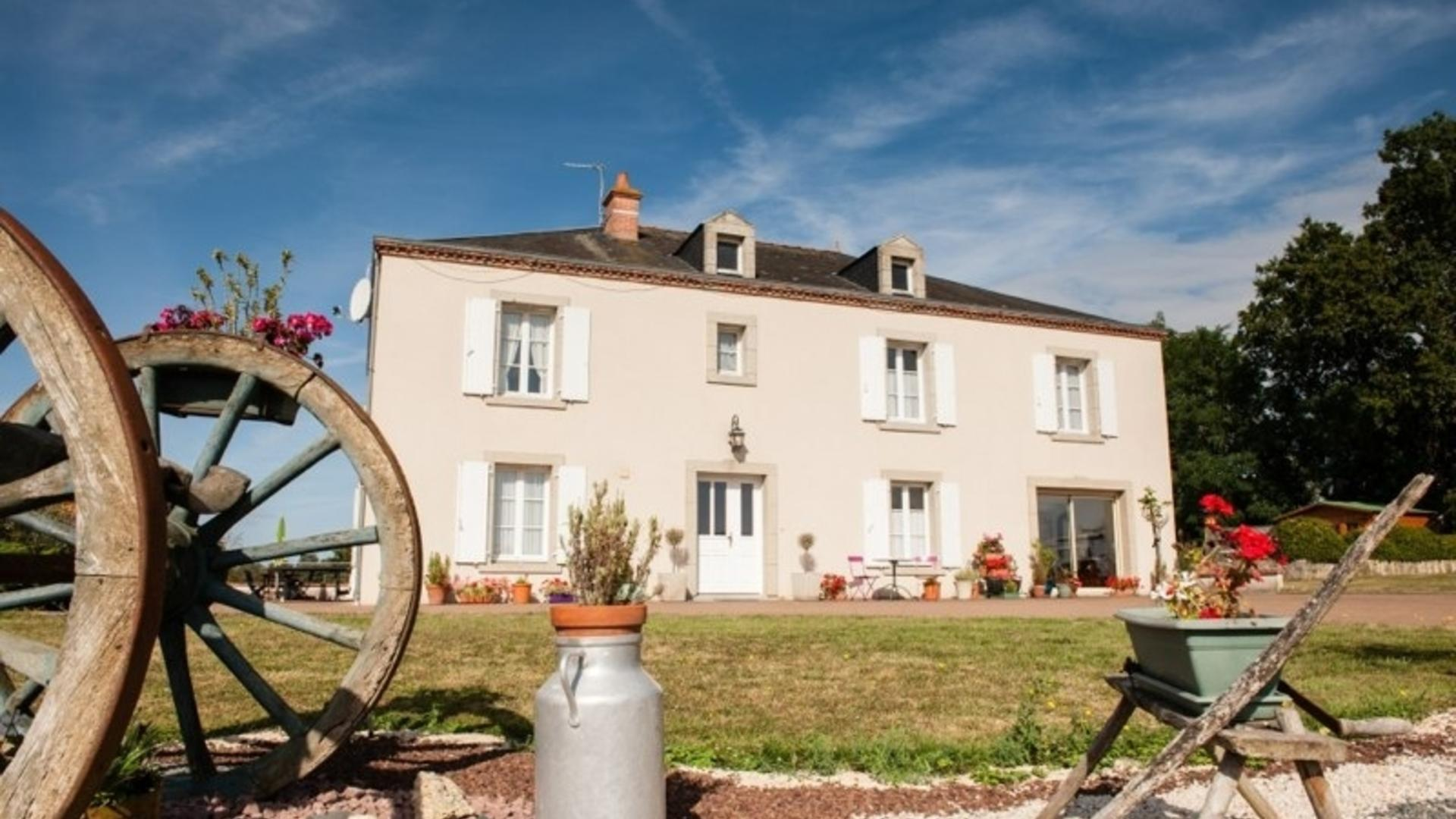 5 Bedroom Private house in Poitou-Charentes, France