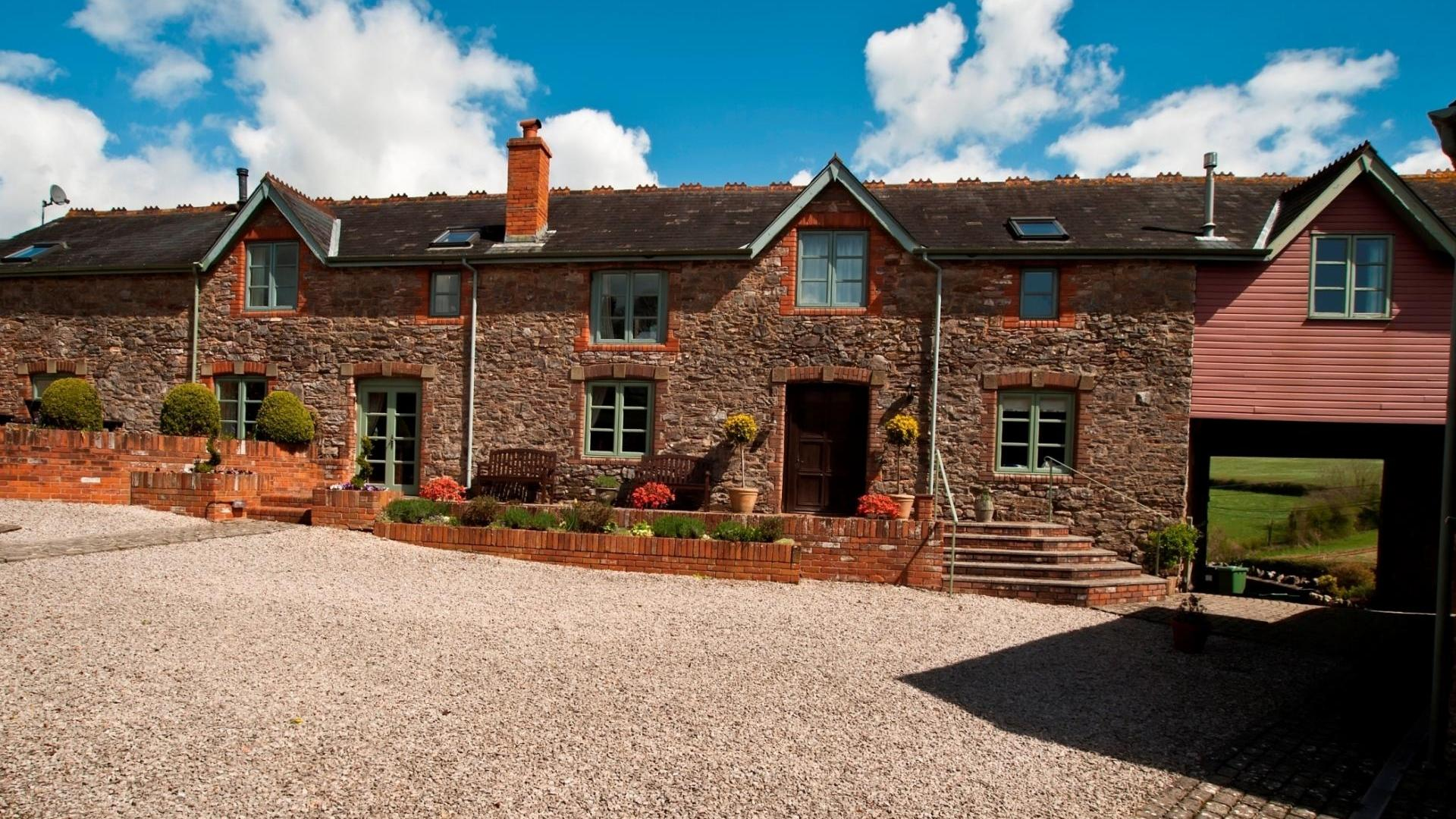 6 Bedroom Private cottage/shared grounds in Devon, United Kingdom