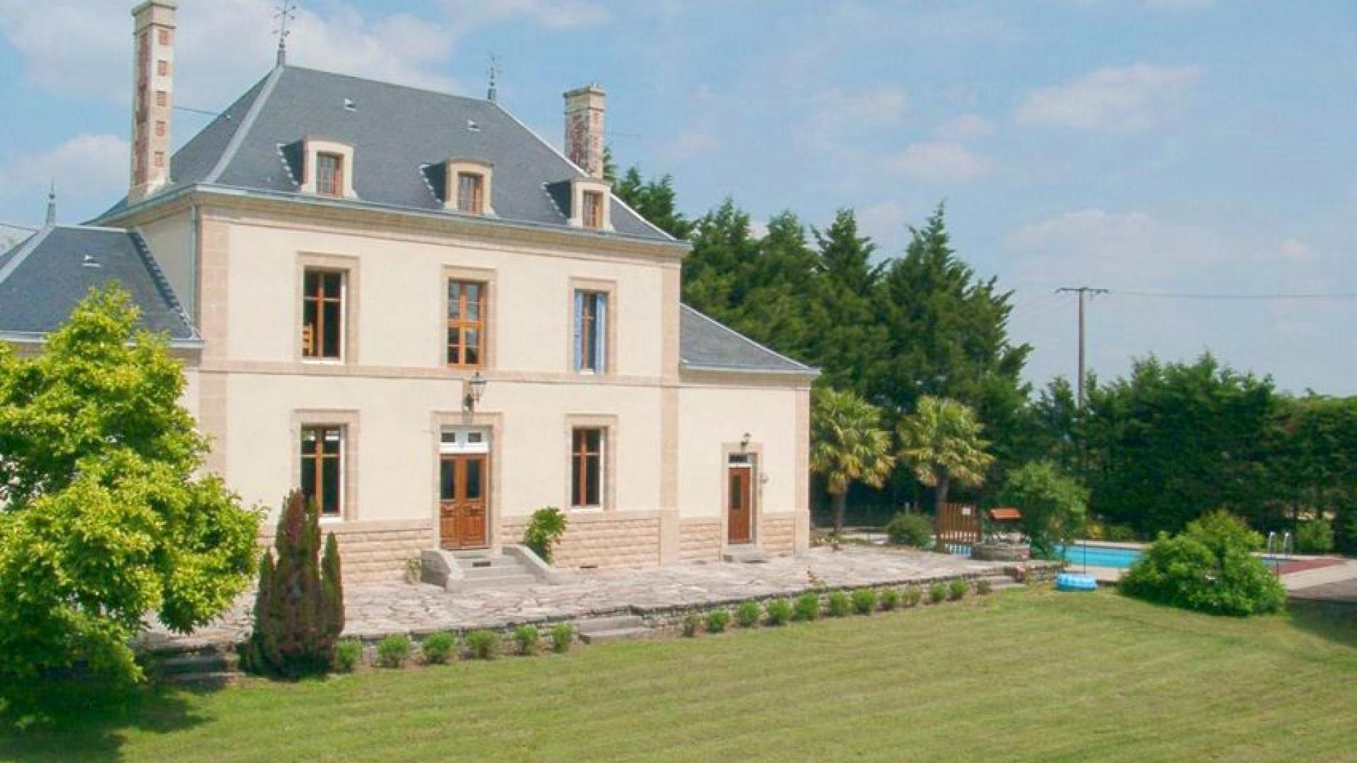 8 bedroom house in the Vendee, heated swimming pool - LDL