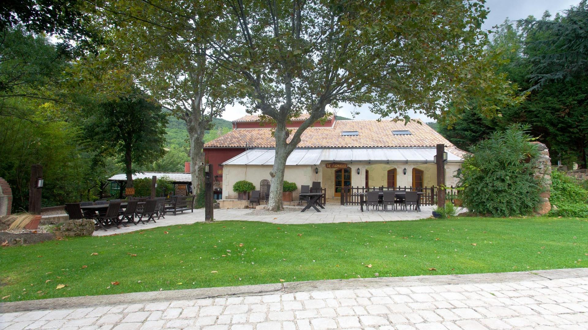 Luxury child-friendly holiday cottage Languedoc-Roussillon - SNFH