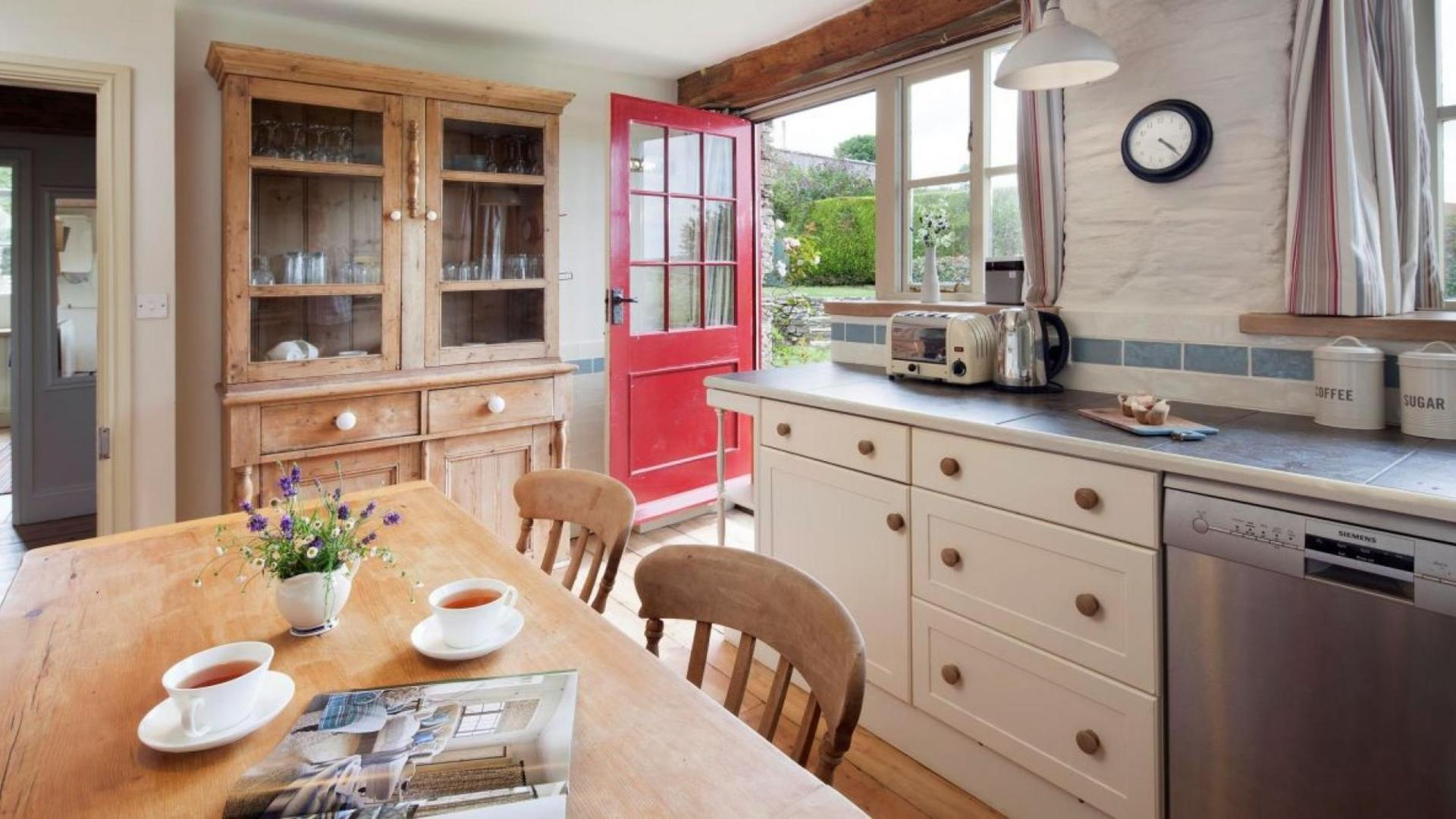four-bedroom luxury family-friendly holiday cottage in Cornwall � HZGB