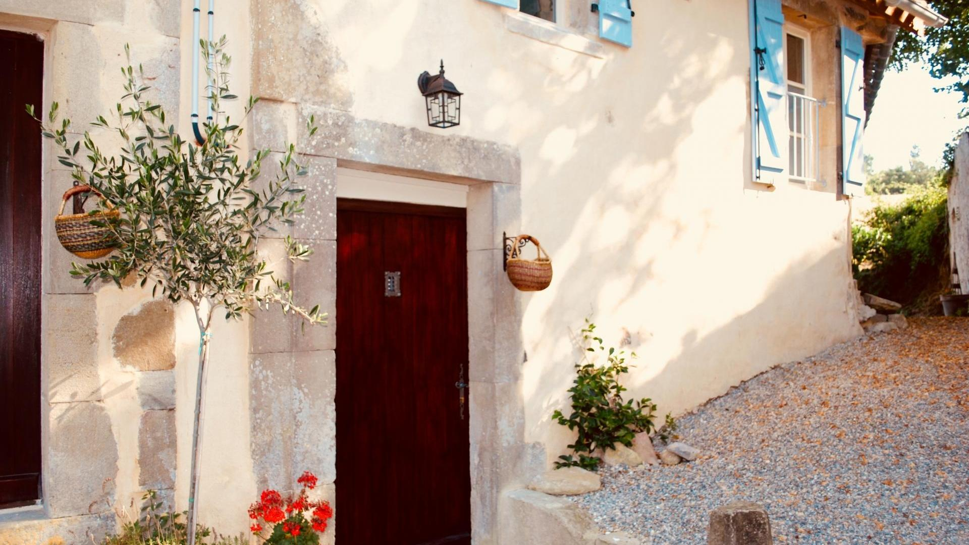 Three bedroom child-friendly holiday cottage in Southern France - NSBG