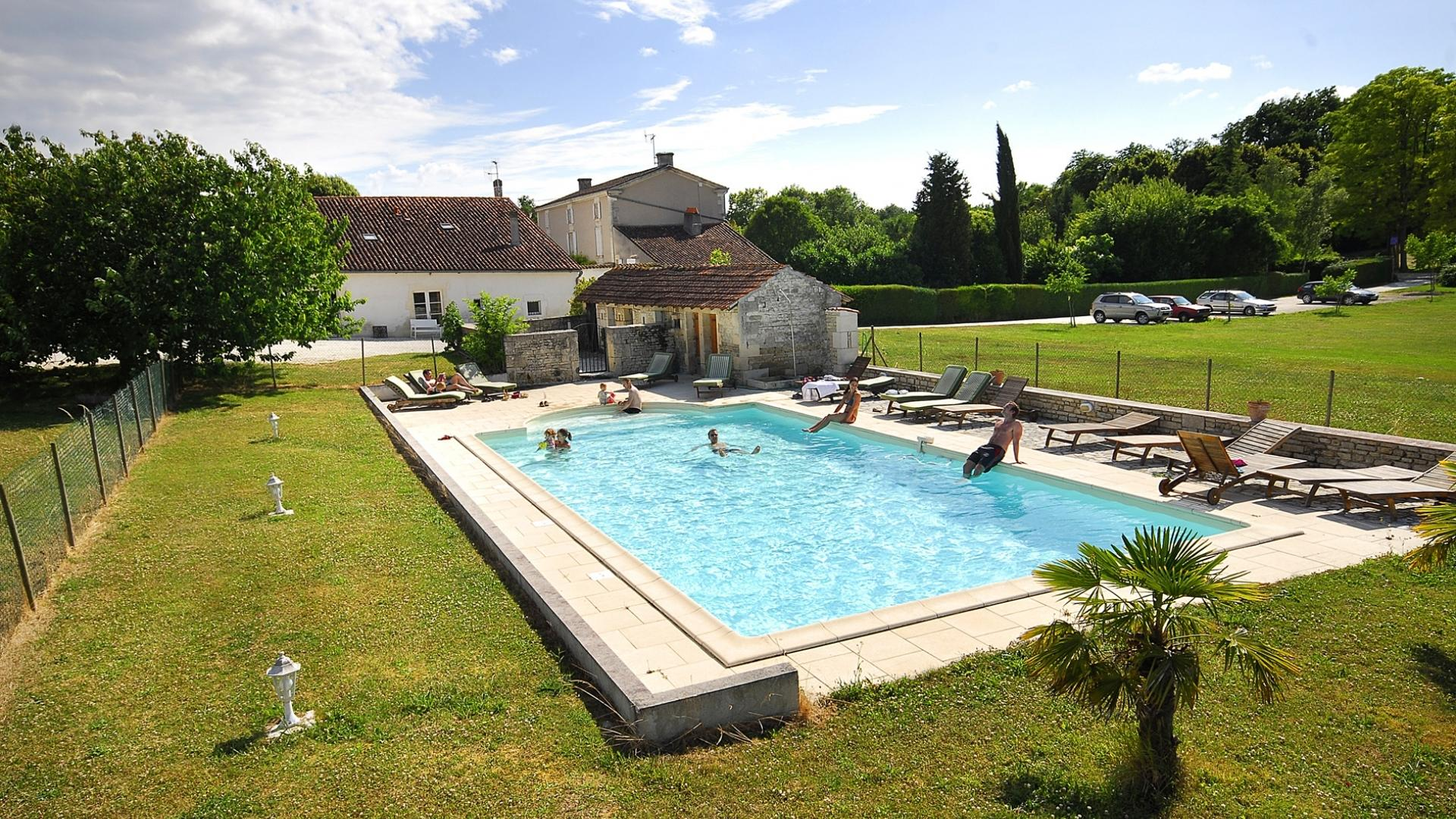 1 Bedroom Cottage/shared facilities in Poitou-Charentes, France