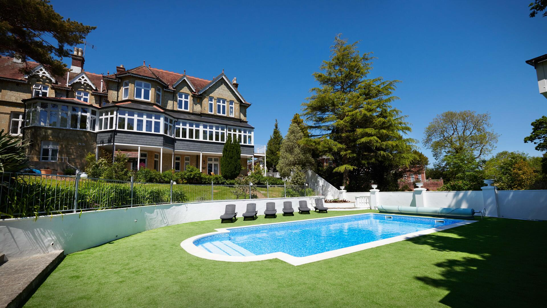 2 bed holiday apartment Shanklin, Isle of Wight -  DBF