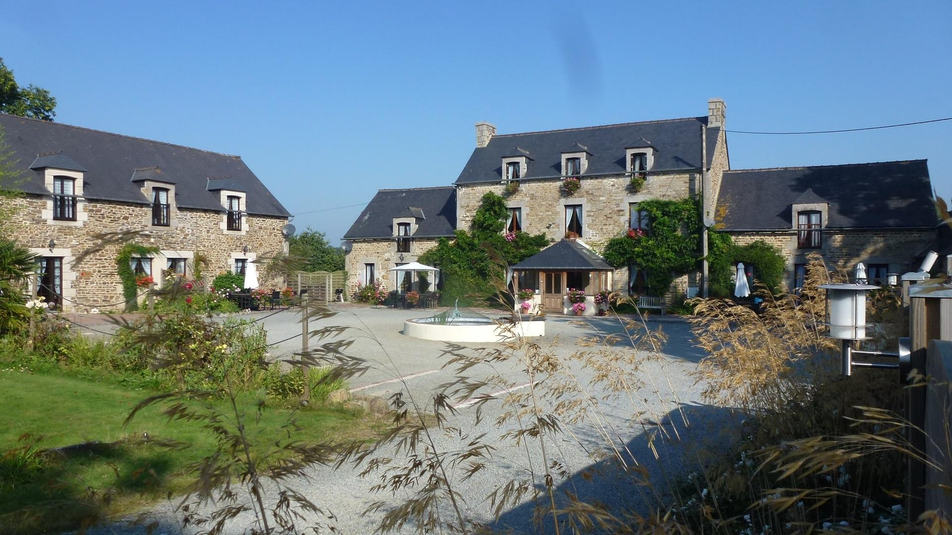 Child-friendly and accessible holiday cottage in Brittany - CHF