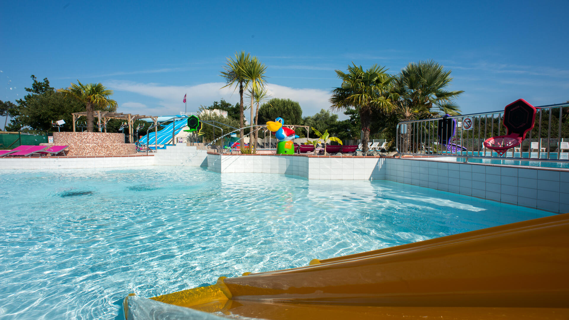 Family holiday village and camping near Bordeaux