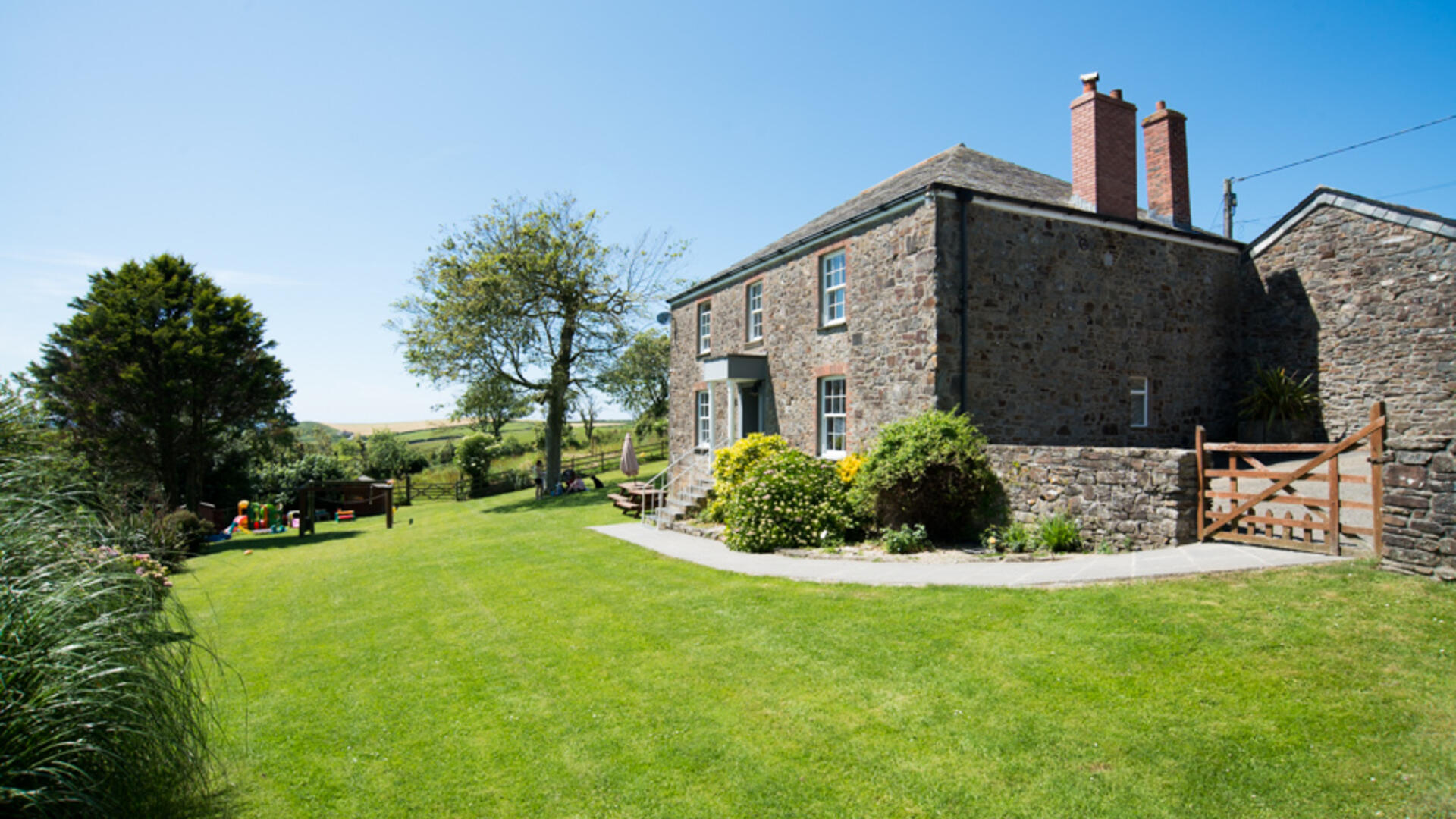 Family-friendly farmhouse with 2 hot tubs, ideal for a group holidays