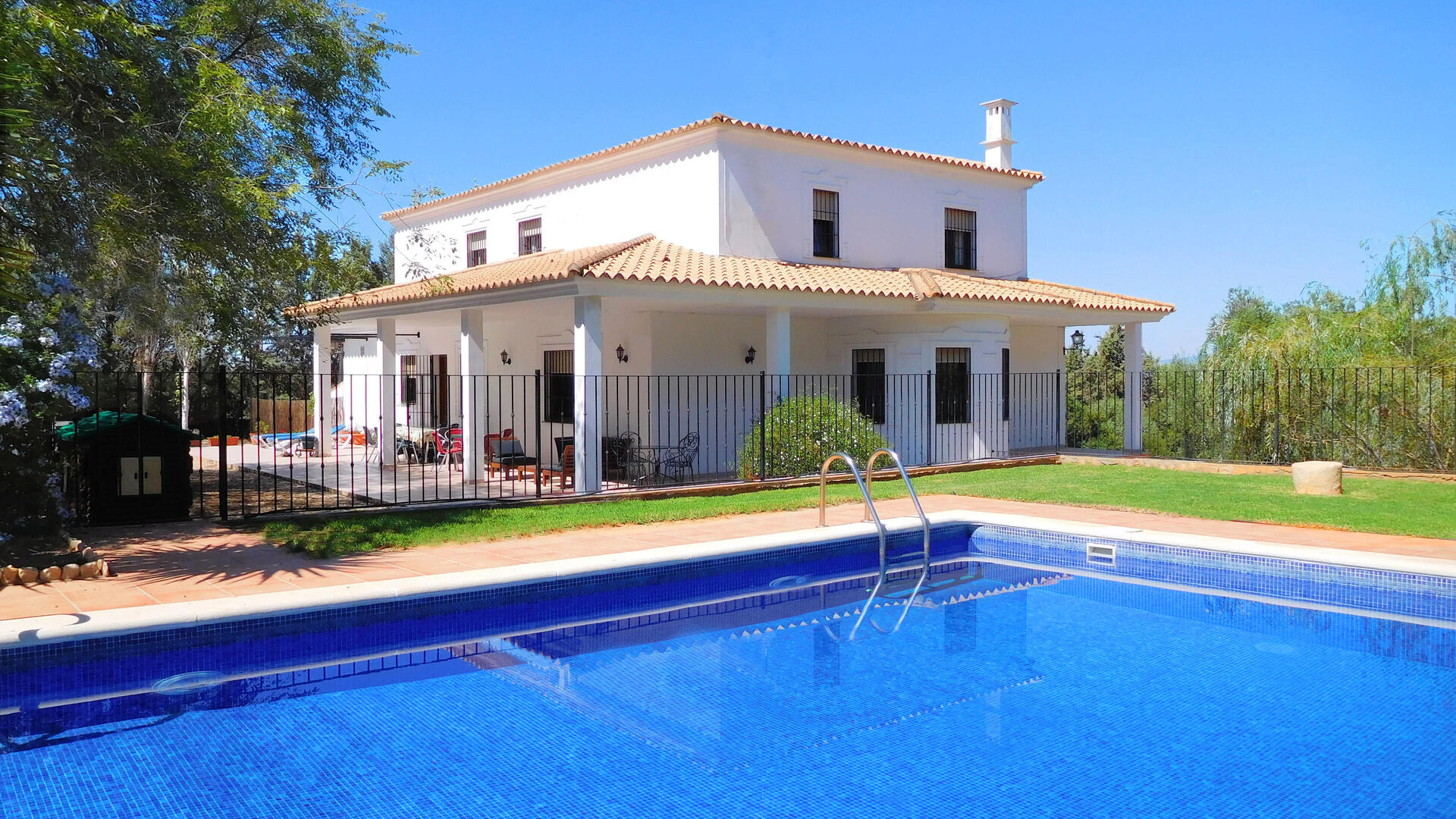 6 Bedroom Private villa in Mainland, Spain
